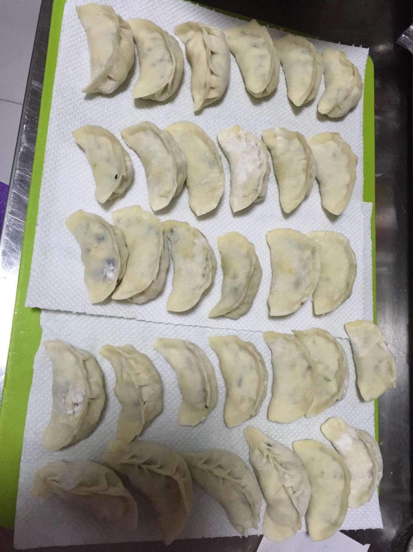 小白菜豆腐素馅饺子的做法图解3