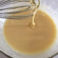 一杯面粉两个鸡蛋就能做出酥脆掉渣的鸡蛋卷的做法图解5