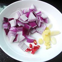 西兰花香菇炒培根的做法图解4