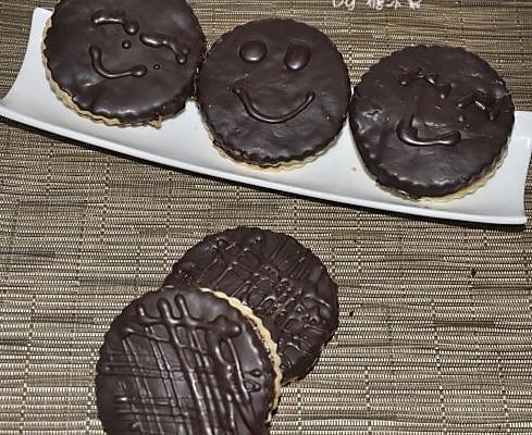 巧克力夹心酥的做法