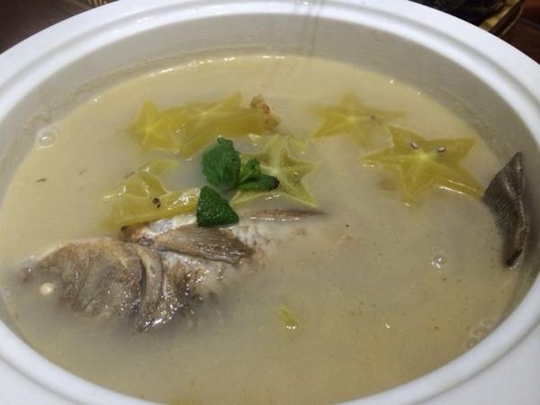 鲫鱼杨桃开胃汤的做法