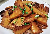腊肉焖竹笋