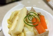 #菁选酱油试用之白菜肉丝炒年糕的做法