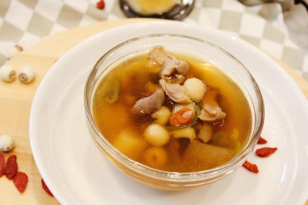 薄盐莲子猪肚养胃汤#厨此之外,锦享美味#的做法