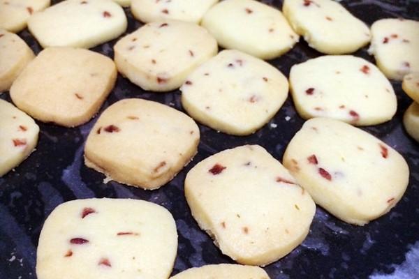 饼干 蔓越莓饼干 超级简单~的做法