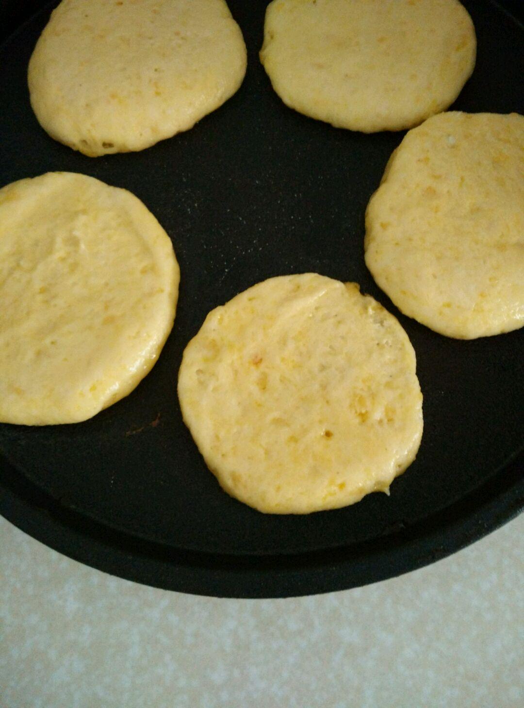 玉米面贴饼的做法图解3