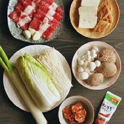 韩式菌菇肥牛暖锅的做法 步骤1