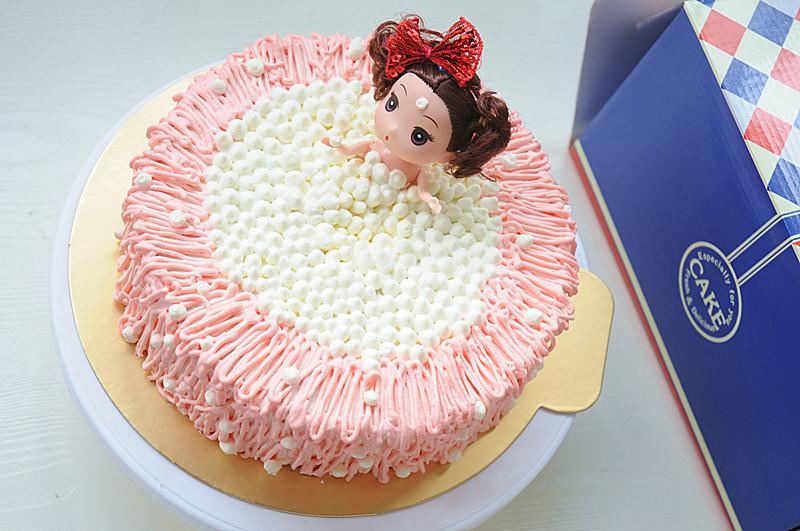 泡泡浴迷糊娃娃生日蛋糕#豆果5周年