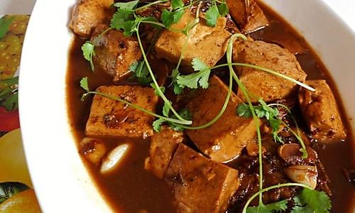 鲤鱼烧豆腐的做法