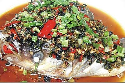干巴菌菜花清蒸鱼