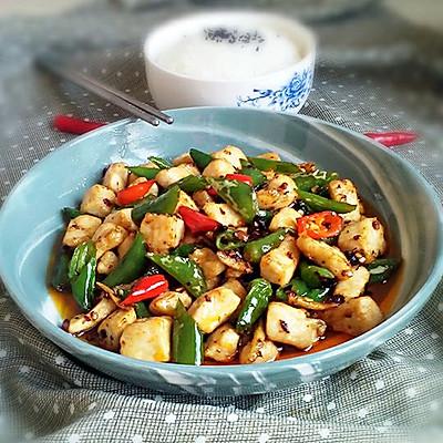 下饭菜~豆豉辣椒炒鸡丁。