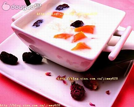 醪糟木瓜红枣牛奶羹的做法