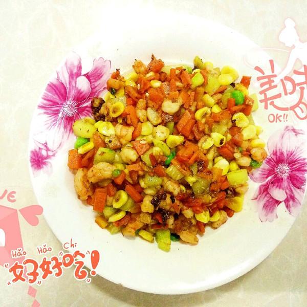 活萝卜玉米豌豆黄瓜基围虾五丁的做法