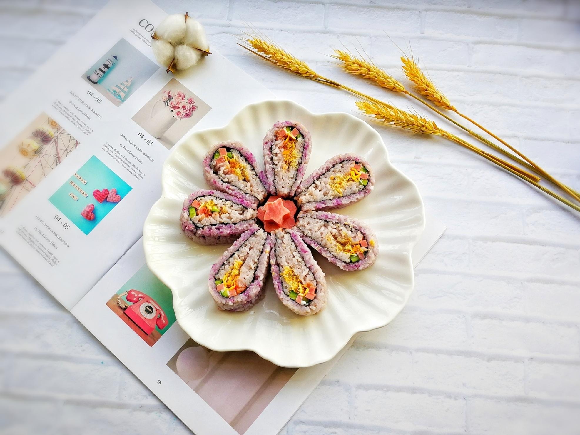 翻转花朵寿司的做法_【图解】翻转花朵寿司怎么做如何