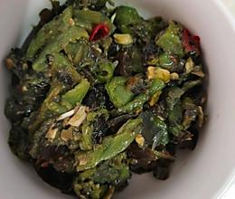 夏日凉菜-青椒捶皮蛋的做法