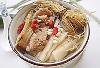 养生鸡汤:健脾胃、强体质【龙须根炖鸡】的做法