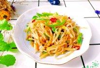 #全电厨王料理挑战赛热力开战!#家的味道~青椒土豆丝的做法