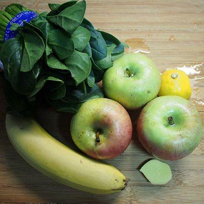菠菜苹果汁-看着就清爽的做法 步骤1
