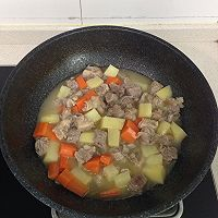 番茄土豆胡萝卜炖牛腩的做法图解6