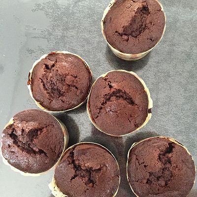 醇香巧克力纸杯蛋糕