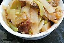萝卜青笋烩猪肘的做法