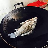 洋葱鲫鱼的做法图解2
