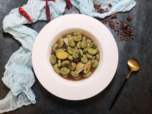 葱烧蚕豆的做法