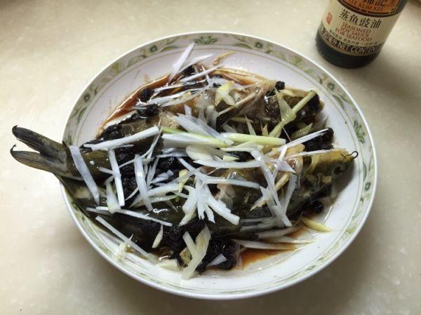 豆䜴蒸黄辣丁