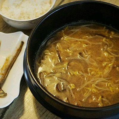 韩国牛肉海带豆芽汤