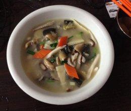 台湾泥鳅三鲜汤的做法