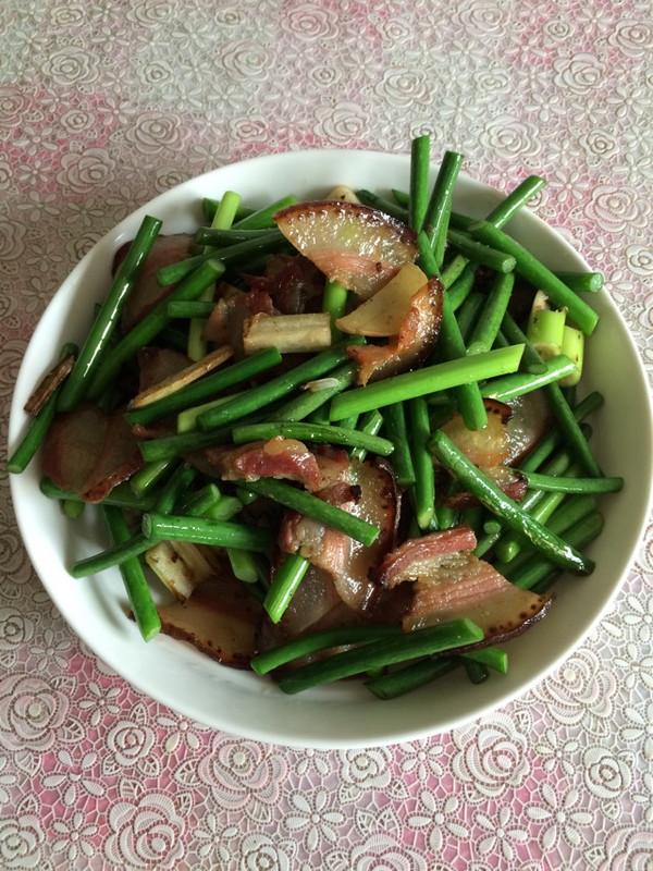 熏肉炒蒜苔