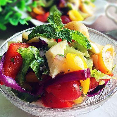 橄榄油醋汁什锦蔬菜沙拉
