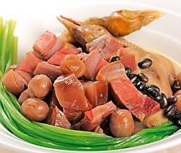 美食厨房之黑豆桂圆煲乳鸽的做法