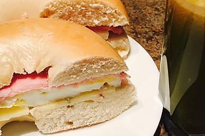麦当劳煎蛋Bagel(贝果)三明治