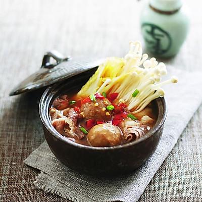 肥牛丸子蔬菜煲