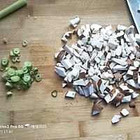 香菇汤面的做法图解2