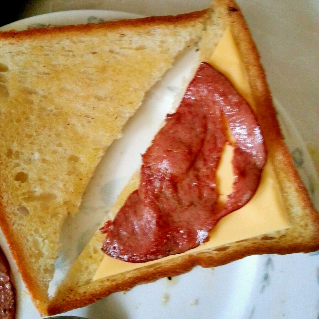 培根鸡蛋三明治的做法图解12