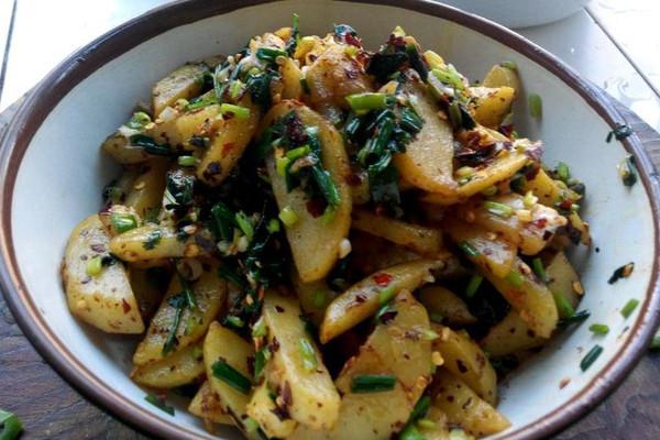 香辣炸土豆的做法