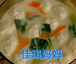 青菜鱼丸汤    清爽可口的做法