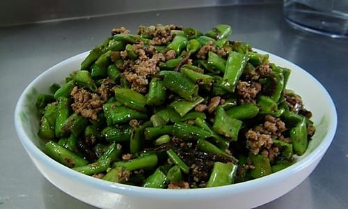 橄榄菜肉沫炒豇豆的做法