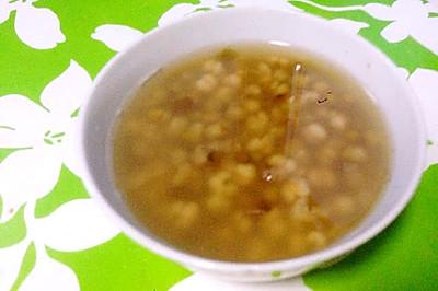 【食疗·祛痘利器】绿豆薏仁汤