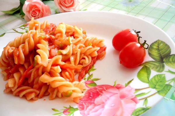 大喜大牛肉粉试用之番茄时蔬意面的做法