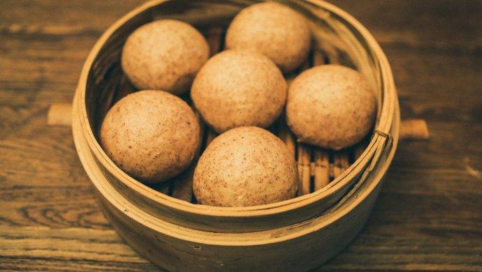 #年味十足的中式面点#百分百杂粮黑馒头(减脂期主食)