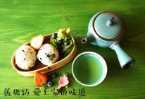 肉松海苔饭团的做法