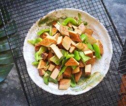 尖椒炒五香豆腐干的做法
