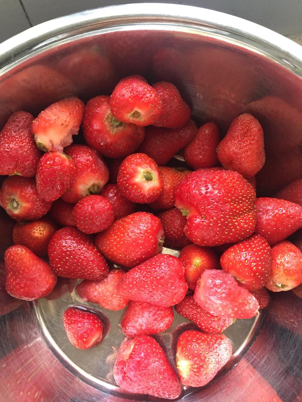 草莓香包的做法图解