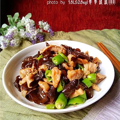 延缓衰老:木耳香菇肉片