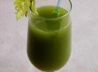 夏季减肥,排毒瘦身饮品——西芹蜂蜜汁的做法