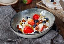 双莓坚果酒酿酸奶的做法