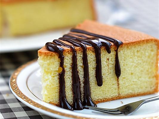 松软嫩爽、香甜可口的戚风蛋糕的做法